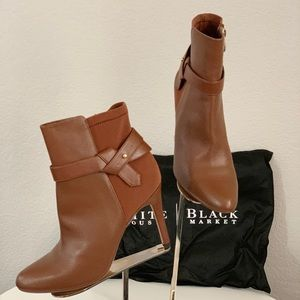 $118 New WHBM cognac color boots in size 8